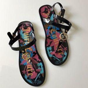Juicy Couture Graffiti Flat Thong Sandal Jelly 9
